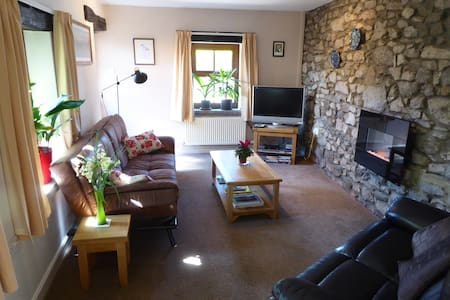 Fernbank Cottage for 3, South Lakes - Warton