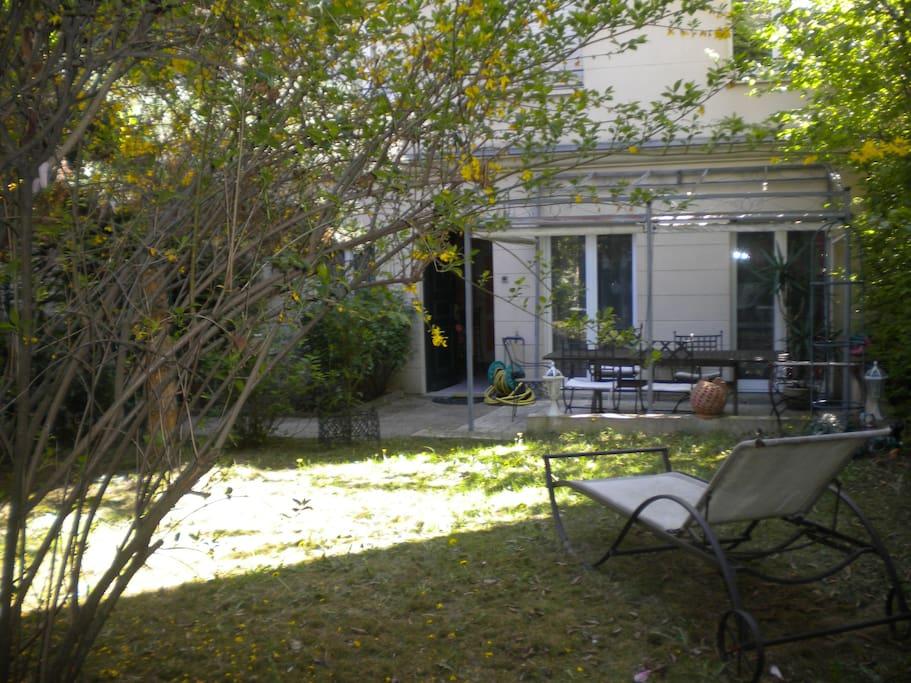 Duplex 100 m2 jardin 5 mn paris appartements louer - Jardin suspendu terrasse asnieres sur seine ...
