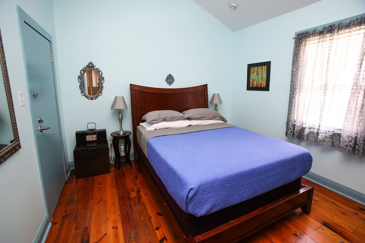 SHOGAS SUITE - close to everything - New Orleans - Leilighet