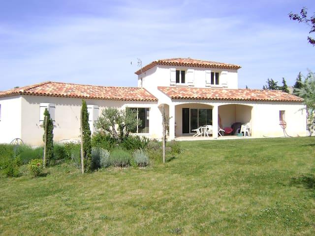 grande villa neuve - Mimet - Villa