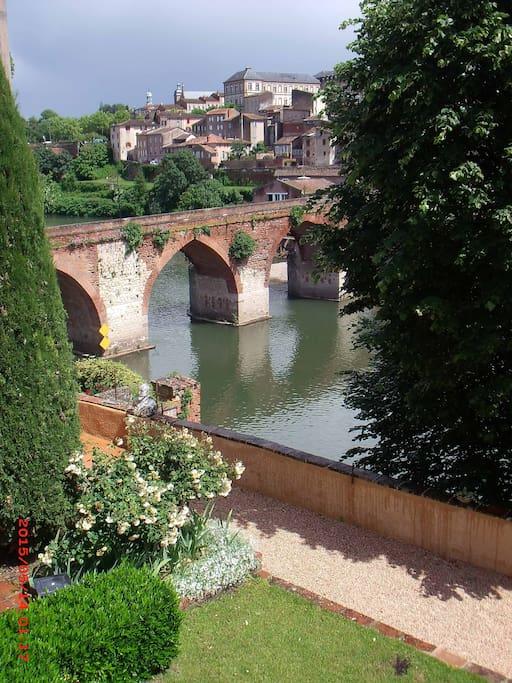 Vue du Pont Vieux prise du salon