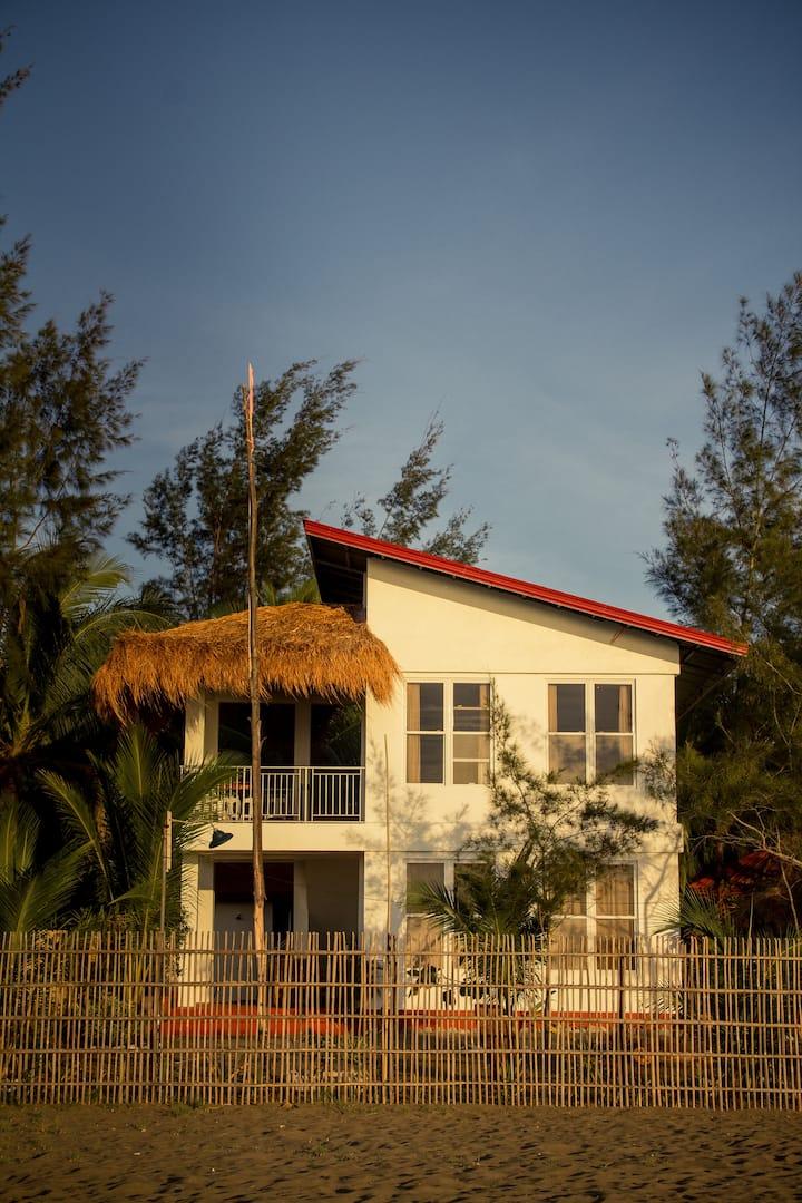 Aqua Shore Lodge - PDM Beach Resort