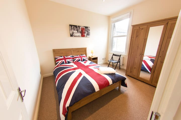 Tooting Spacious Brit Double London - Londen