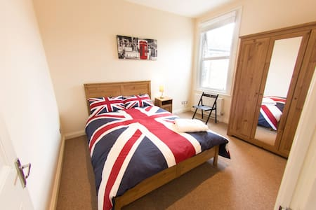 Tooting Spacious Brit Double London - London