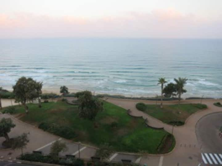 ON THE BEACH - Nitza Blvd. 10 Netanya -