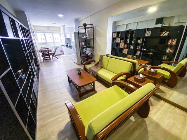 TripleOne. A cozy 3-bedroom apartment in Woodlands