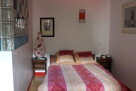 charmante chambre privée avec Sdb - Neschers
