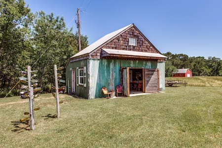 Bunkhouse @ The Farm - Wills Point