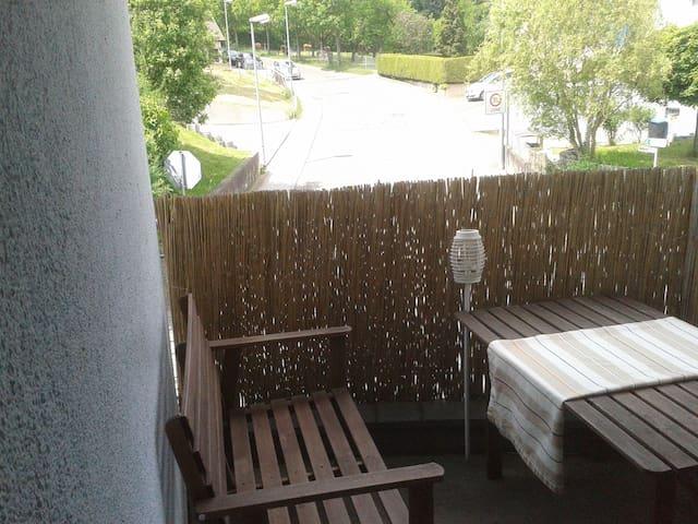 nette 2 Zi Wohng mit kl. Balkon - Leinfelden-Echterdingen - Apartamento