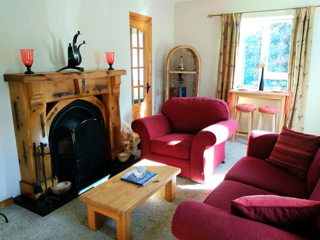 Cosy house* Friendly host*Own private living room