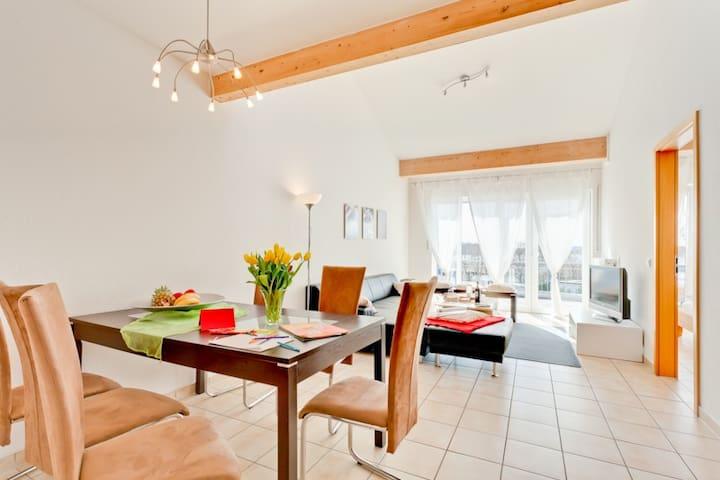 sonnige Wohnung mit Seeblick über 2Etagen auf 86m2 - Binz - Lägenhet