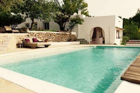 Beautiful old finca with sea view! - Villa