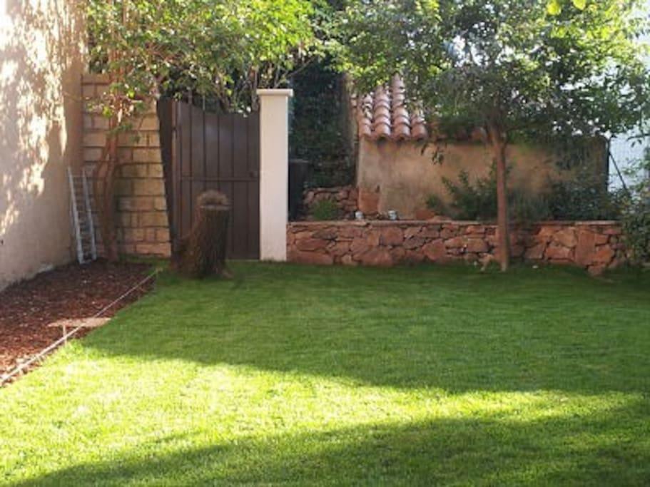 Le coin pelouse, jardin privatif