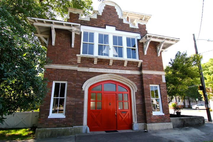 Beautiful Historic Firehouse Suite