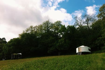 Hilltop Yurt with Panoramic Views - Lustleigh - 蒙古包