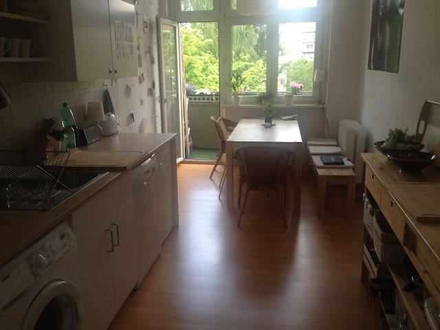 bright 1 bed room apartement - Berlino - Appartamento