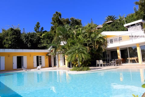 Villa de charme, piscine, vue sur mer