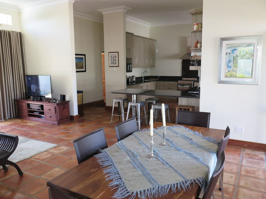 Open plan living/ dining and kitchen area