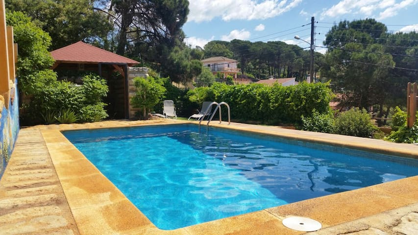 Rustic villa with swimming pool - Vidreres - Talo