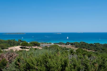 Villa vue Palombaggia,à 10 mn à pieds de la plage