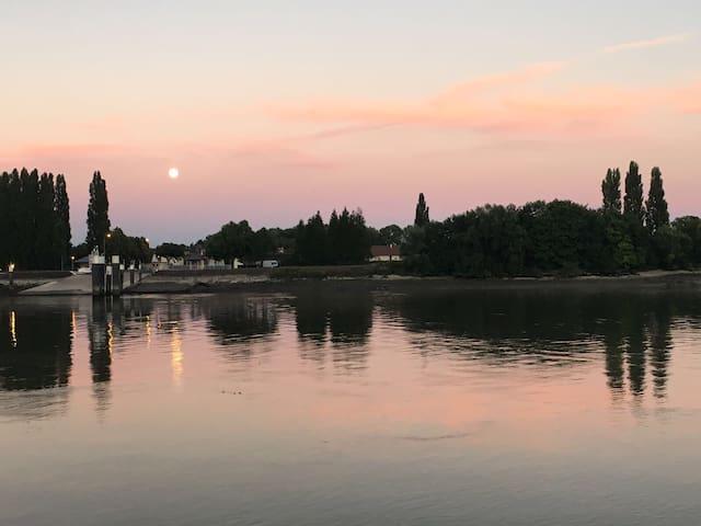 Vu panoramique sur Seine et son Bac