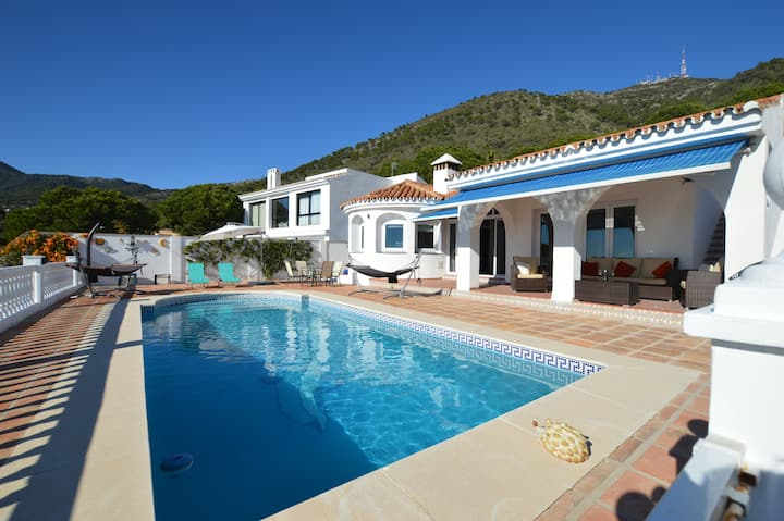 Beautiful Villa with private pool and great views