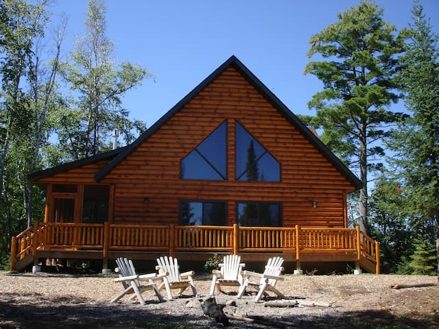 Luxury Cabin in the Beautiful Northwoods