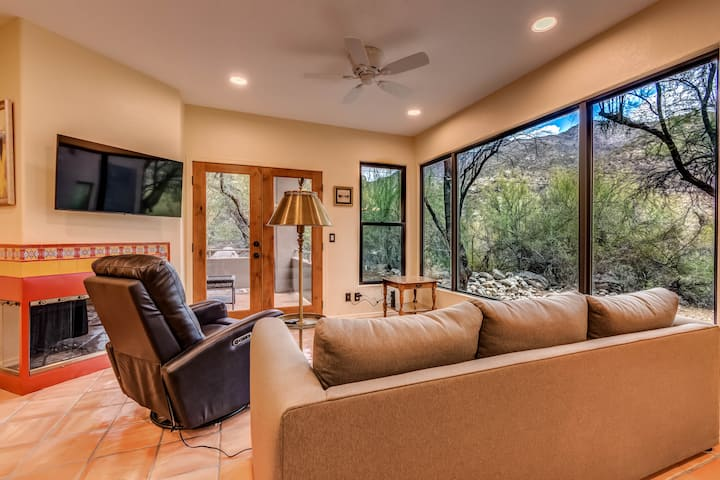 A Spectacular Retreat with Amazing Mountain Views!