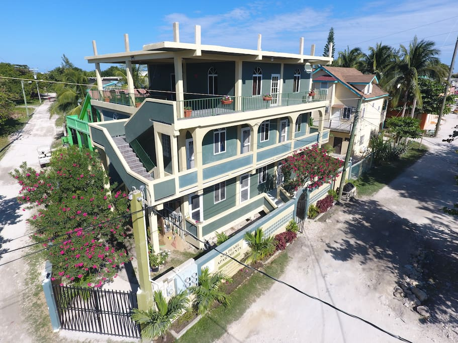 corozal singles Serenity retreats belize  1 single bed bedroom 3 2 single beds  explore other options in and around corozal district.