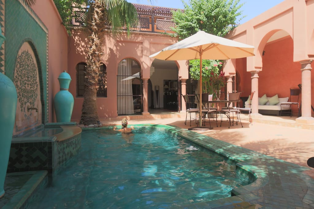 The second pool, in the courtyard, intimate and private, not overlooked at all