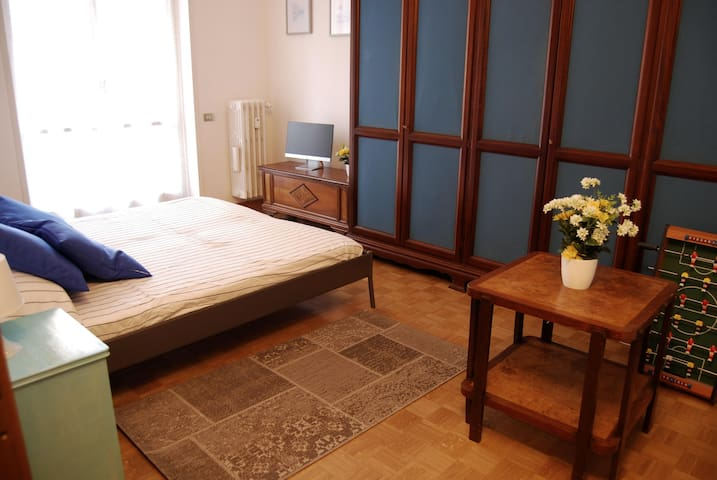 """Tortona Flat"" - Private Apartment"