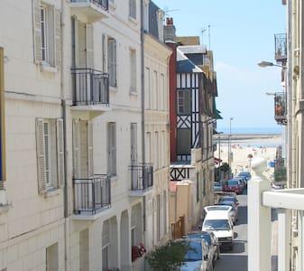 Studette avec balcon 100m de la mer - Trouville-sur-Mer - Pis