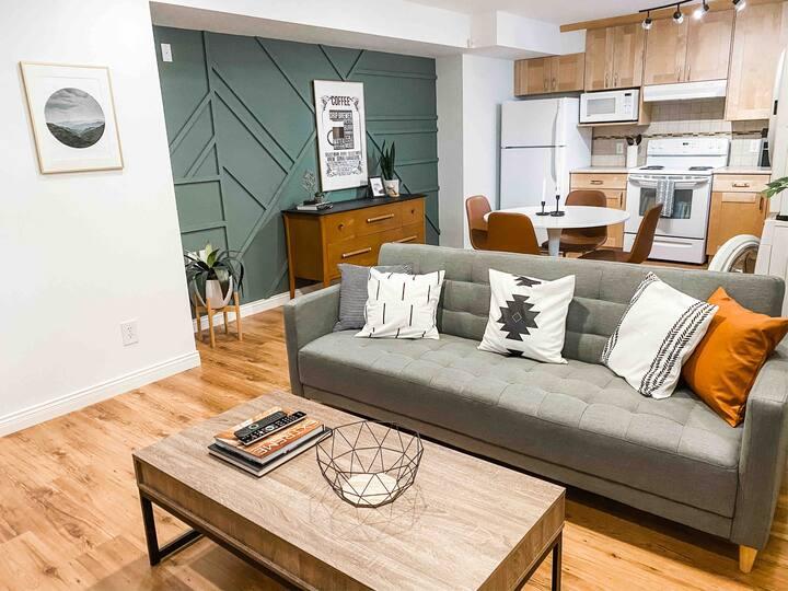 Arhaus - 1 bedroom suite in central Lower Mainland