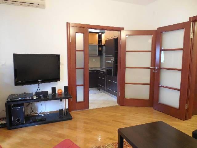 Cozy and bright apartment in Pozarevacka - Beograd - Appartamento