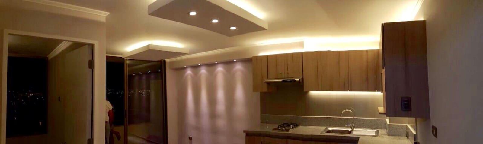 La elegancia de las luces LED en todo el departamento!