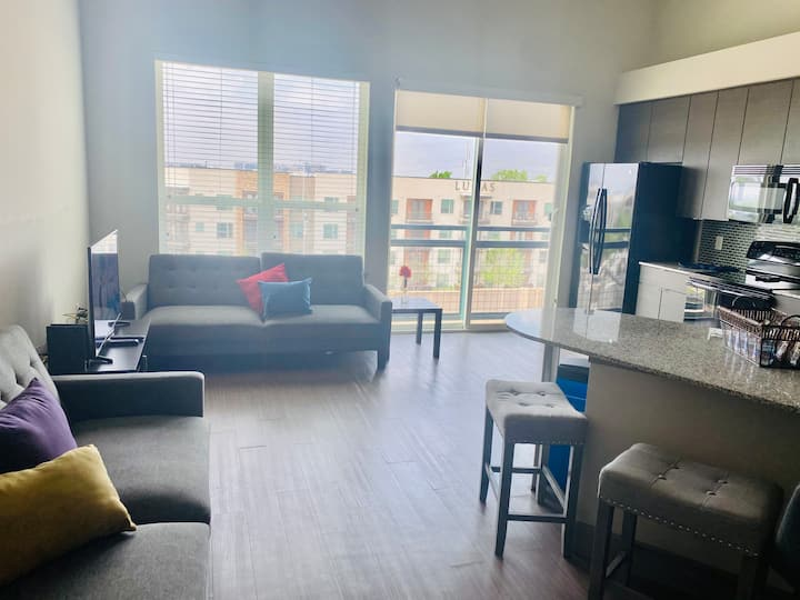 Uptown living with Downtown proximity