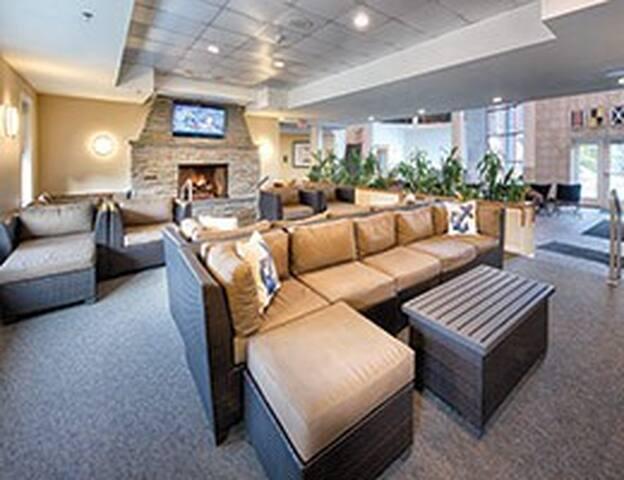 Indoor/Outdoor Pool Lounge