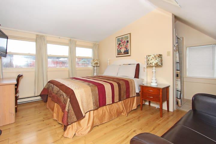 Gower House Loft Room On-Suite