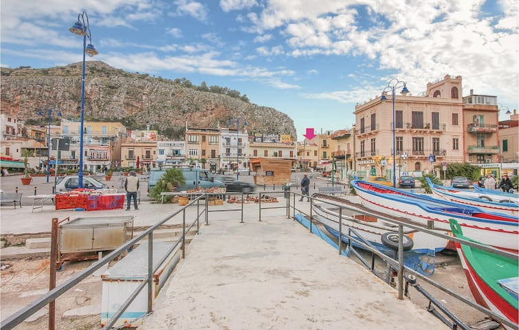 Holiday apartment with 1 bedroom on 39m² in Palermo -PA-