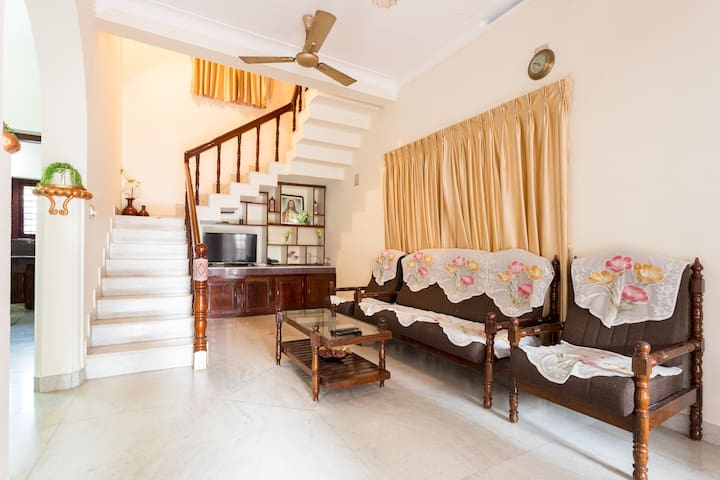 Holiday Home @ 1110 Don Bosco Cross Rd., Ernakulam