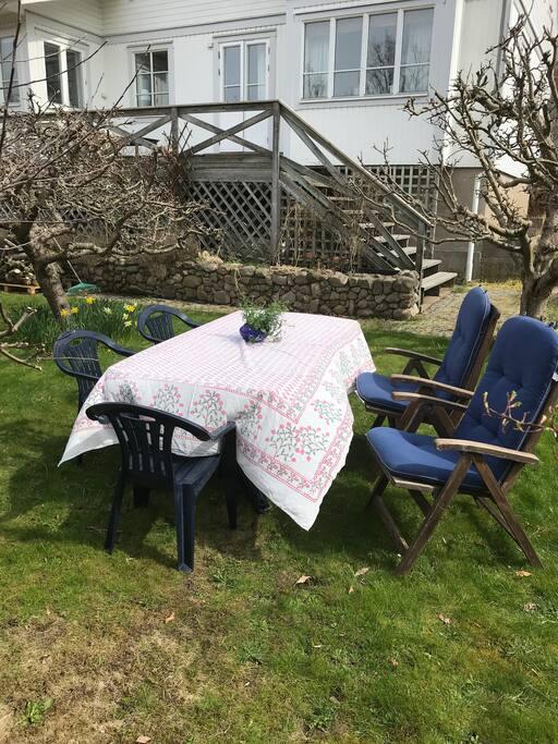 Egen uteplats i trädgården