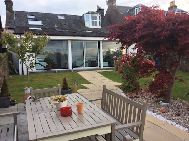 Perfect Seaside  Retreat - Tayport