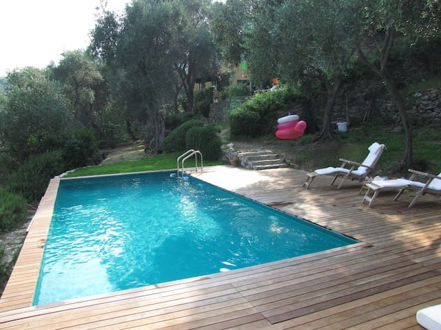 COUNTRY  HOUSE WITH POOL - Rapallo