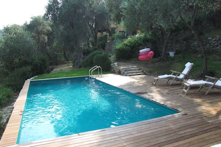 COUNTRY  HOUSE WITH POOL - Rapallo - Lägenhet