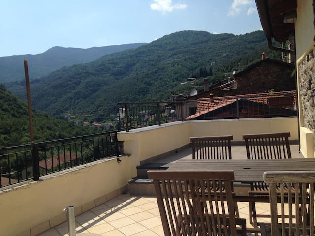 Stunning view from Old town house - Pigna - Huis