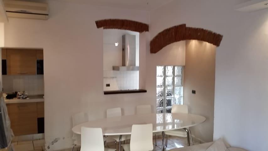 Hs4U Casa Francesco - ปราโต - บ้าน