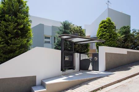 Villa 120m2 au nord d Athenes - Dionisos - Rumah