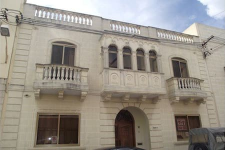 Private bedroom in Qormi (b5) - House