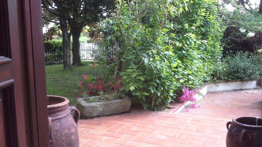 """Casa """"Strega56"""" Ivrea, Piemonte, - Salerano C.se - Apartamento"""