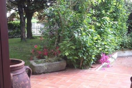 """Casa """"Strega56"""" Ivrea, Piemonte, - Salerano C.se"""